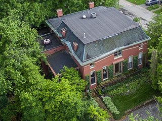 1840s Magnificent Historic Mansion Best Location For the Kentucky Derby - Saint Matthews vacation rentals