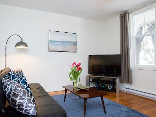 Internet TV Parking Fully Furnished Recently Renovated Unit in Triplex 600 Sqft - Victoria vacation rentals