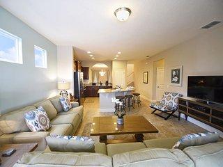 Solterra Resort 5 Bedroom 4.5 Bath Pool Home. 5336OA - Davenport vacation rentals