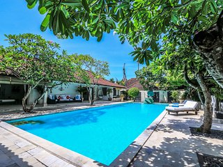 SeaEnah, Stylish Spacious 4 Bedroom Villa, near beach, Sanur - Sanur vacation rentals