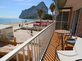 2 BD Beachfront Apartment - Stunning Sea Views & direct access to the beach - Calpe vacation rentals