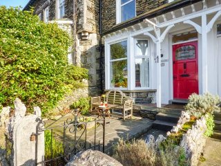 GILLERCOMBE, four floors, mid-terrace, enclosed patios, in Bowness Ref 948800 - Bowness-on-Windermere vacation rentals