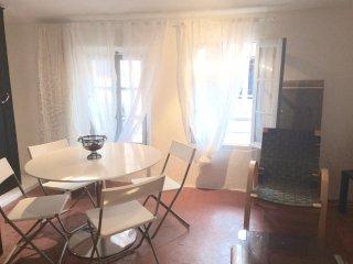 Appartement centre historique-médieval - Hyères vacation rentals