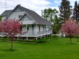 Perfect House with Internet Access and Wireless Internet - Sainte-Rose-du-Nord vacation rentals