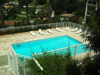 Magnifique 3 pièces de 90m2 avec terrasse dans résidence avec piscine - Le Cannet vacation rentals