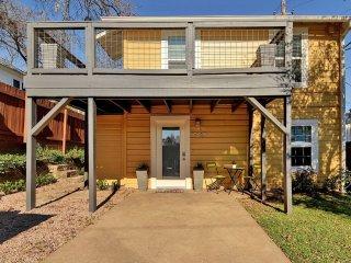 Downtown Austin Retreat - 1 Bedroom Upper Unit + Concierge Services - Austin vacation rentals