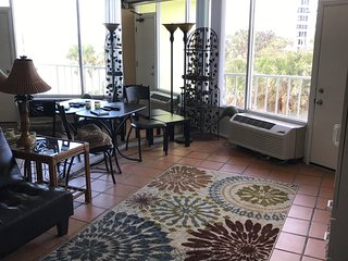 Nice Studio with Internet Access and A/C - Ormond Beach vacation rentals