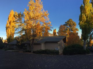 Cozy Flagstaff retreat in Continental Country Club - Flagstaff vacation rentals