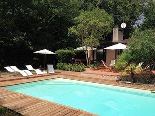 Villa golf de Bordeaux-Cameyrac, piscine et tennis - 8 à 11 personnes - Saint-Sulpice-et-Cameyrac vacation rentals