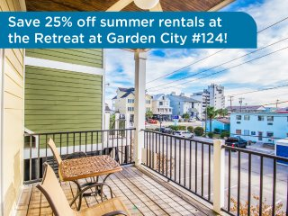 Garden City raised home, across from beach, walk to attractions + restaurants! - Garden City vacation rentals
