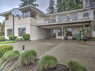 NEW! 4BR Mercer Island House w/Splendid Lake Views - Mercer Island vacation rentals