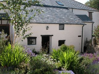 Nice 5 bedroom Bittadon Barn with Internet Access - Bittadon vacation rentals