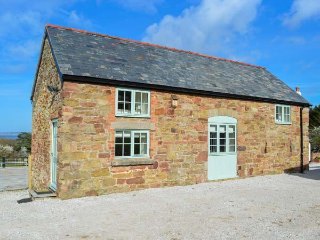 PLAS TIRION COTTAGE, stabling available, close to the beach, WiFi, woodburner, Holywell, Ref 932781 - Holywell vacation rentals