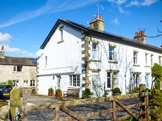 WHARFEDALE COTTAGE, three-storey cottage near Linton Falls, woodburner, AGA - Linton-in-Craven vacation rentals