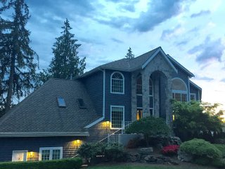 Beautiful Large Lake Community Home - Sammamish vacation rentals