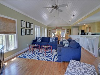 3 Bedroom 3.5 Bath Beach Cottage in Panama City. 8WL - Panama City vacation rentals