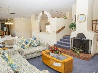 Orlando 3 Bed 2 Bath Town Home in Ventura Country Club. 2924CC - Orlando vacation rentals