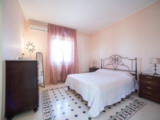 Villa Relais il Melograno - Stanza Levante - Arnesano vacation rentals