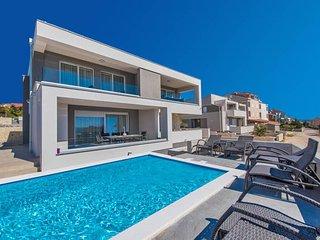 Villa Zora, luxury villa with a pool for 15 people - Novalja vacation rentals