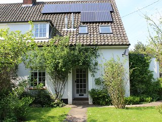 Gorgeous family cottage with a large private garden - sleeps 6 - Blythburgh vacation rentals