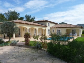 Beautiful 215M2  Villa on 3000m2  land  entirely enclosed with pool - Rocbaron vacation rentals