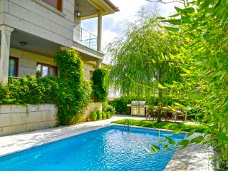 Beautiful house with pool in a quite place close to Areas Beach - Sear vacation rentals