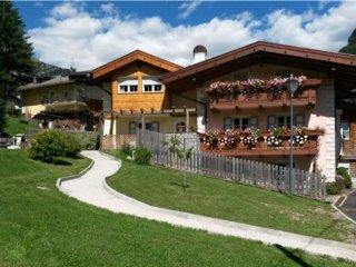 3 bedroom Apartment with Mountain Views in Pozza di Fassa - Pozza di Fassa vacation rentals
