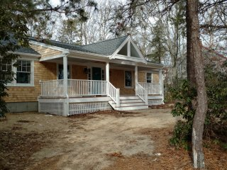 Cozy House with Deck and Washing Machine - Waquoit vacation rentals