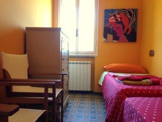 Cozy 2 bedroom Condo in Marinella di Sarzana - Marinella di Sarzana vacation rentals