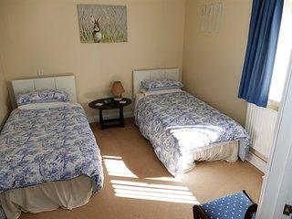 The Willows Bed and Breakfast - Twin-Comfort-Ensuite with Shower-Garden View - Wincanton vacation rentals