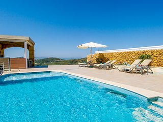 Luxury Villa sleep 8 with 2 pools cinema etc - Xaghra vacation rentals