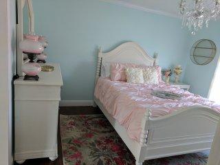Ashley Room, the Inn at Southern Belle Farm, near Gatlinburg & Smoky Mountains - Kodak vacation rentals