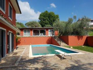 Il Ciclamino villa con piscina esclusiva a due passi da Roma - Riano vacation rentals