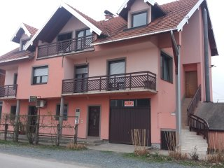 Nice House with Central Heating and Television - Dubrave Gornje vacation rentals