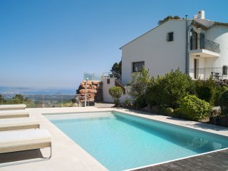 Modern villa, SEA VIEW with Swimming pool,  Pool House near Cannes ,5 bedrooms - Saint-Jean-de-Cannes vacation rentals