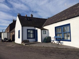 2 bedroom Cottage with Fireplace in Johnshaven - Johnshaven vacation rentals