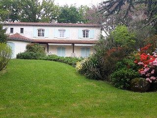 Chambres d'hotes a 20km du Puy Du Fou au coeur du bocage Vendéen. - Saint-Mesmin vacation rentals