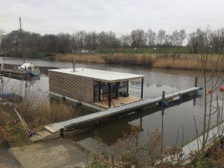 Stationäres Hausboot HT 4 in idyllischer Lage mit Kaminofen und Terrasse - Wilhelmshaven vacation rentals