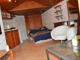 Romantic 1 bedroom Cabin in Caesarea - Caesarea vacation rentals