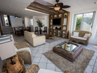 NEW!! Luxurious & Comfortable Residence - HZ - Cancun vacation rentals