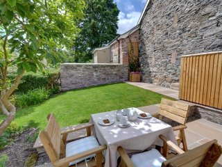 Lovely Cottage with Internet Access and Washing Machine - Ruthin vacation rentals