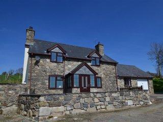 Beautiful 3 bedroom Llanrhaeadr ym Mochnant Cottage with Washing Machine - Llanrhaeadr ym Mochnant vacation rentals