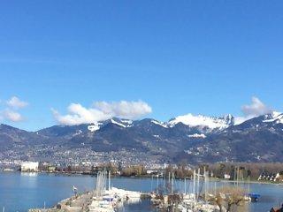 Appt vacances terrasse vue magnifique sur lac Léman et les Alpes - Bouveret vacation rentals