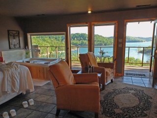 Beaver Lakefront Suites - Upscale, Secluded Luxury - Eureka Springs vacation rentals