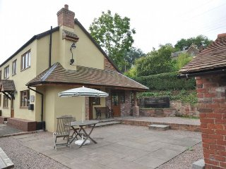 Comfortable 3 bedroom Highley House with Internet Access - Highley vacation rentals