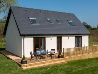 Lovely Cottage with Washing Machine and Television - Three Cocks vacation rentals