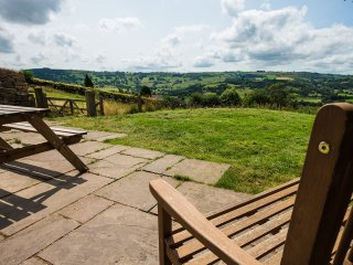 Bright 4 bedroom House in Two Dales - Two Dales vacation rentals