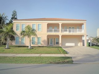 3 HOUSES TO BEACH7BDRM/5.5BA-POOL/JACUZZI/BILLIARD - South Padre Island vacation rentals