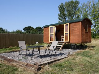 1 bedroom Shepherds hut with Parking in Chartham Hatch - Chartham Hatch vacation rentals