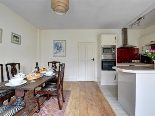 Comfortable 3 bedroom Penmorfa Cottage with Internet Access - Penmorfa vacation rentals